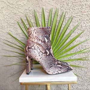 JESSICA SIMPSON NWOT Snakeskin Briyanne Boots
